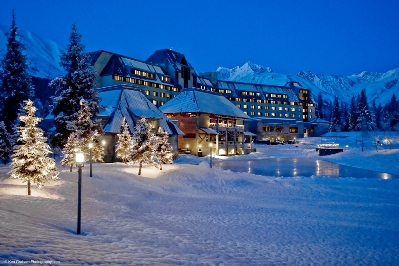 winter_hotel_ken_graham