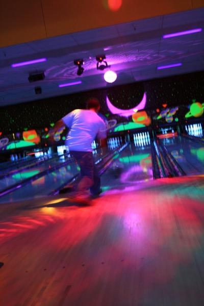 cosmic_bowling-wilsonville-lanes