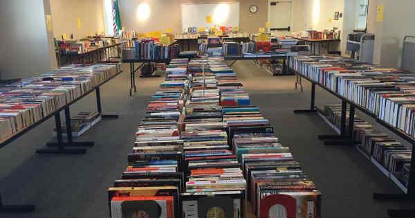 Camas-Book-Sale_600
